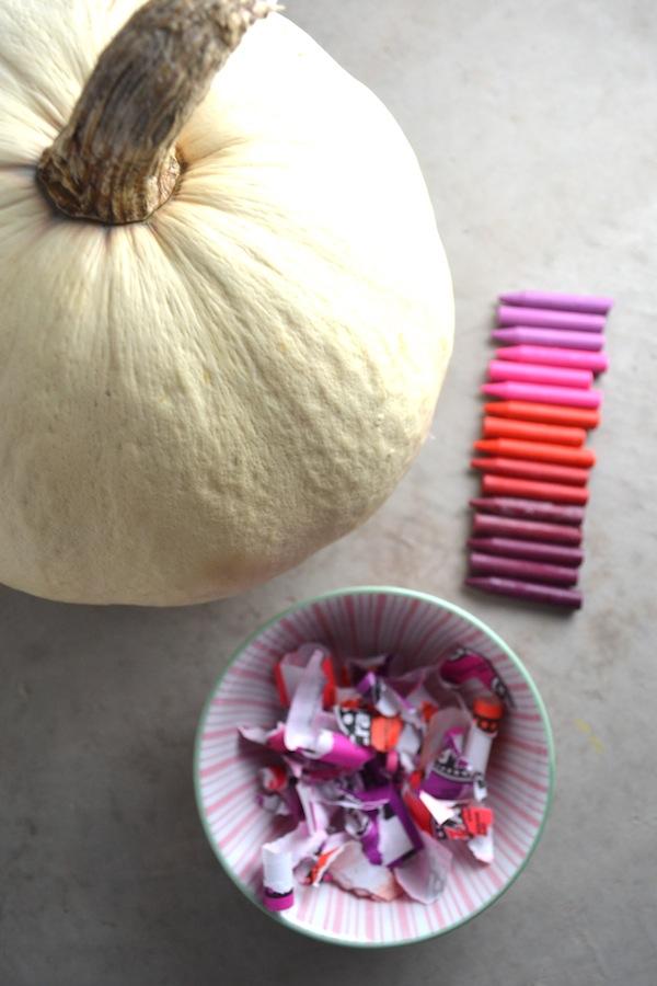 melt crayon pumpkin